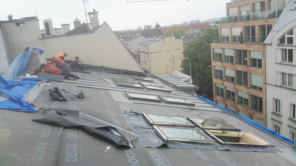 Nowa konstrukcja dachu oraz ułożenie folii
