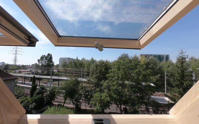Widok z jednego z 50 okien na poddaszu