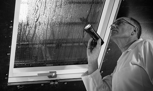 Water tightness roof windows