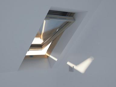 jak otworzyć okno dachowe Dakea